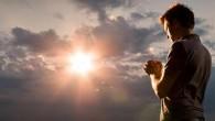 """""""…e perdoa-nos as nossas dívidas, assim como nós temos perdoado aos nossos devedores;"""" (Mateus 6:12)  Pergunta 105: """"Pelo que oramos na quinta petição? Na quinta petição, que é: """"E […]"""